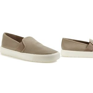 🚨30% OFF🚨 VINCE Camuto Leather Slip On Sneaker